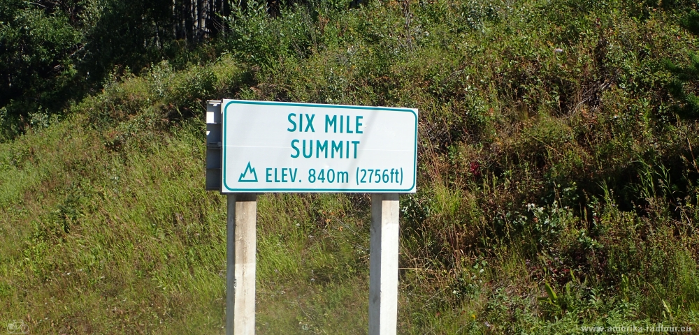 Six Mile Summit, cycling Yellowhead Highway