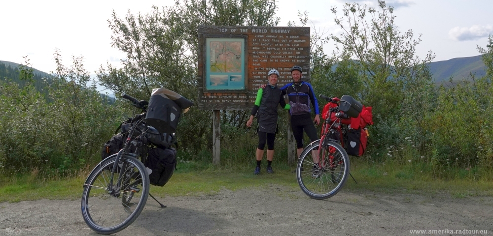 Mit dem Fahrrad von Whitehorse über Dawson City nach Anchorage über den Top of the world Highway.