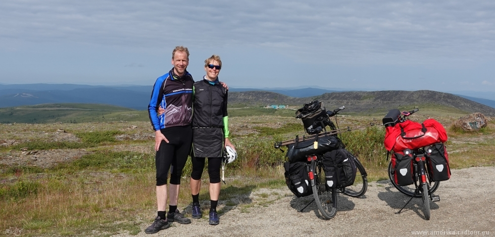 Mit dem Fahrrad von Whitehorse über Dawson City nach Anchorage über Top of the world Highway und Taylor Highway.